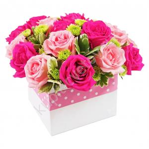 kupit-tsveti-na-8-marta-kakie-darit-floristika-buketi-iz-iskusstvennih-tsvetov